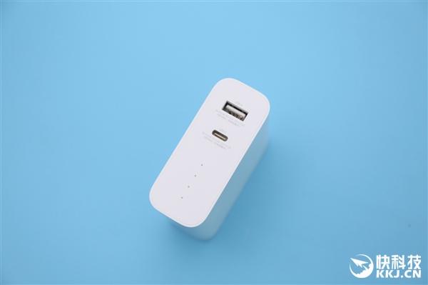 定价169元 小米新品50W二合一充电器/充电宝图赏