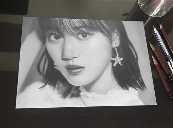 大学生画家用铅笔描绘日本90后女神:获十几万点赞